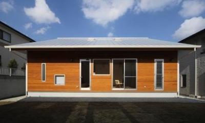 『舞台のある家』変化を楽しめる木の家 (舞台のある家-庭側)