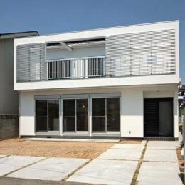 建築家 田崎修一の住宅事例「『キュービック・デッキ』リゾート風住宅にダイナミックリフォーム」