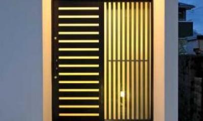 玄関廻り-夜景|『キュービック・デッキ』リゾート風住宅にダイナミックリフォーム