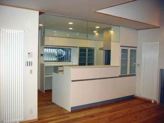 『自然素材と外断熱の家』ナチュラルな住まいの部屋 対面式キッチン