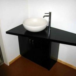 1階手洗いスペース (『自然素材と外断熱の家』ナチュラルな住まい)