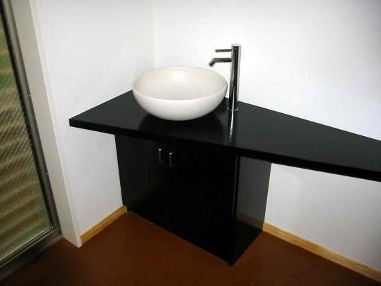 『自然素材と外断熱の家』ナチュラルな住まい (1階手洗いスペース)