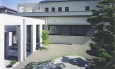 銅板むくり屋根の家|『内田邸』柔らかな印象のコンクリート造住宅