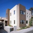 『M邸』シンプルモダンな住まいの写真 タイル貼りの外観
