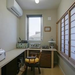 家事室 (『M邸』シンプルモダンな住まい)