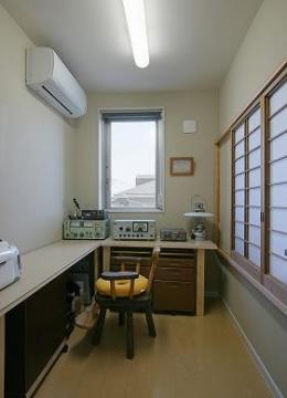 『M邸』シンプルモダンな住まい (家事室)