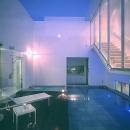 水盤のある広々テラス-夜景