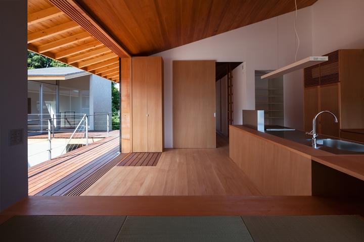 建築家:高砂正弘「『西向きの家』デッキテラスがつなぐ住まい」
