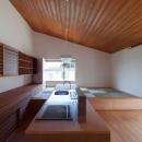 高砂正弘の住宅事例「『西向きの家』デッキテラスがつなぐ住まい」