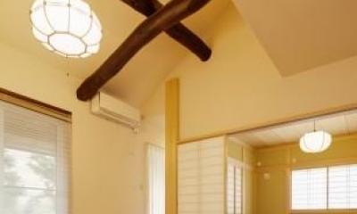 古材がアクセントの畳リビング|T邸・リゾートを訪れたような寛ぎ。開放感溢れる家