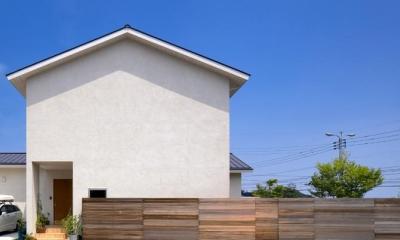 住宅作品3・庭と一体!家族の成長を見守る住まい (シンプルな外観-1)