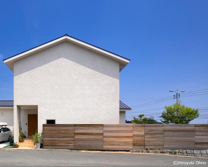 住宅作品3・庭と一体!家族の成長を見守る住まいの部屋 シンプルな外観-1
