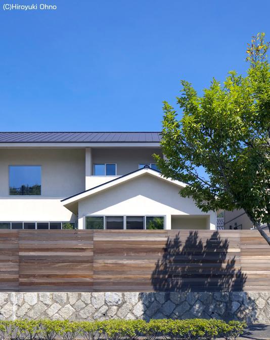 住宅作品3・庭と一体!家族の成長を見守る住まいの部屋 シンプルな外観-2