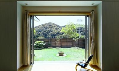 庭と一体になる寛ぎのリビング|住宅作品3・庭と一体!家族の成長を見守る住まい
