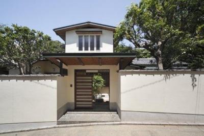 『宝塚の家』和室と洋室を組み合わせた楽しい住まいへ劇的リノベ (宝塚の家-和風外観)