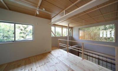 『宝塚の家』和室と洋室を組み合わせた楽しい住まいへ劇的リノベ (光に満ちた2階寝室)