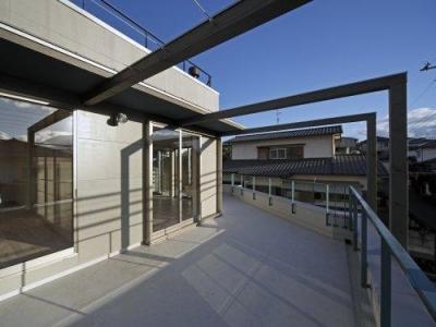 『樟葉美咲の家』屋上緑化と趣味の家 (緑化予定のバルコニー)