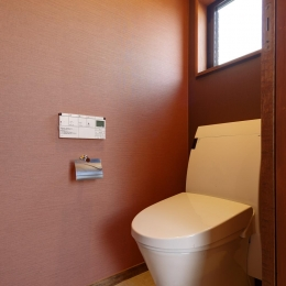 Y邸・若い世代の為の和の住まい (和モダンな2階トイレ)