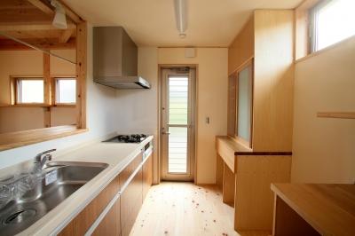 キッチン (二世帯の木の家)