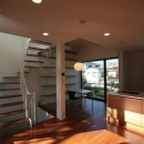 『U邸』階段がつなぐ家