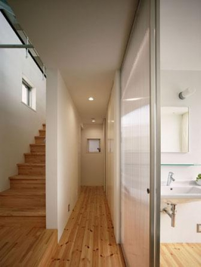 『PALLET』生活動線が家族のコミュニケーションを生み出す家 (階段・廊下)