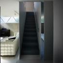 1階に上がる階段