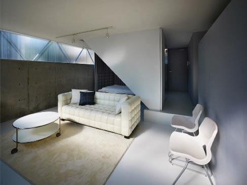 建築家:二宮博「『VVV(フェーフェーフェー)』シンプルモダンな二世帯住宅」