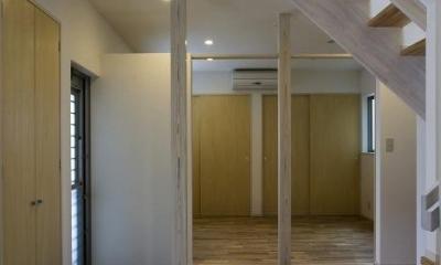 開放的な玄関ホール|『タカハマノイエ』落ち着きのある心地いい住まい