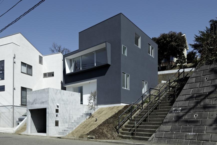 『あざみ野の家』家族を緩やかにつなぐシンプルモダンな住まいの部屋 スタイリッシュな外観
