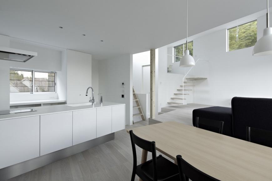 『あざみ野の家』家族を緩やかにつなぐシンプルモダンな住まいの部屋 ワンルーム構成のLDK