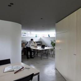 『三叉の家』生活スタイルに合った多彩な暮らしを演出する住まい (地下1階アトリエ)