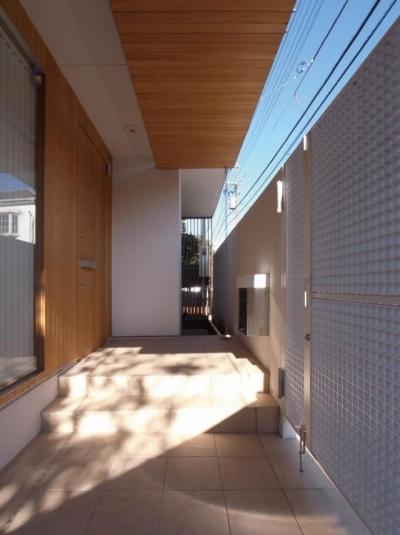 玄関 (中井の家)