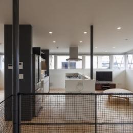 『牛島の二世帯住宅2 』2階をワンルームとする大胆なプラン