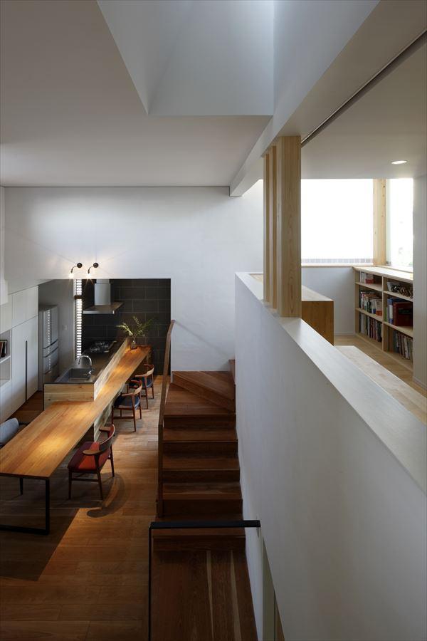 『多層一体の家』立体的ワンルーム空間の住まいの部屋 吹き抜けでつながるワンルーム空間