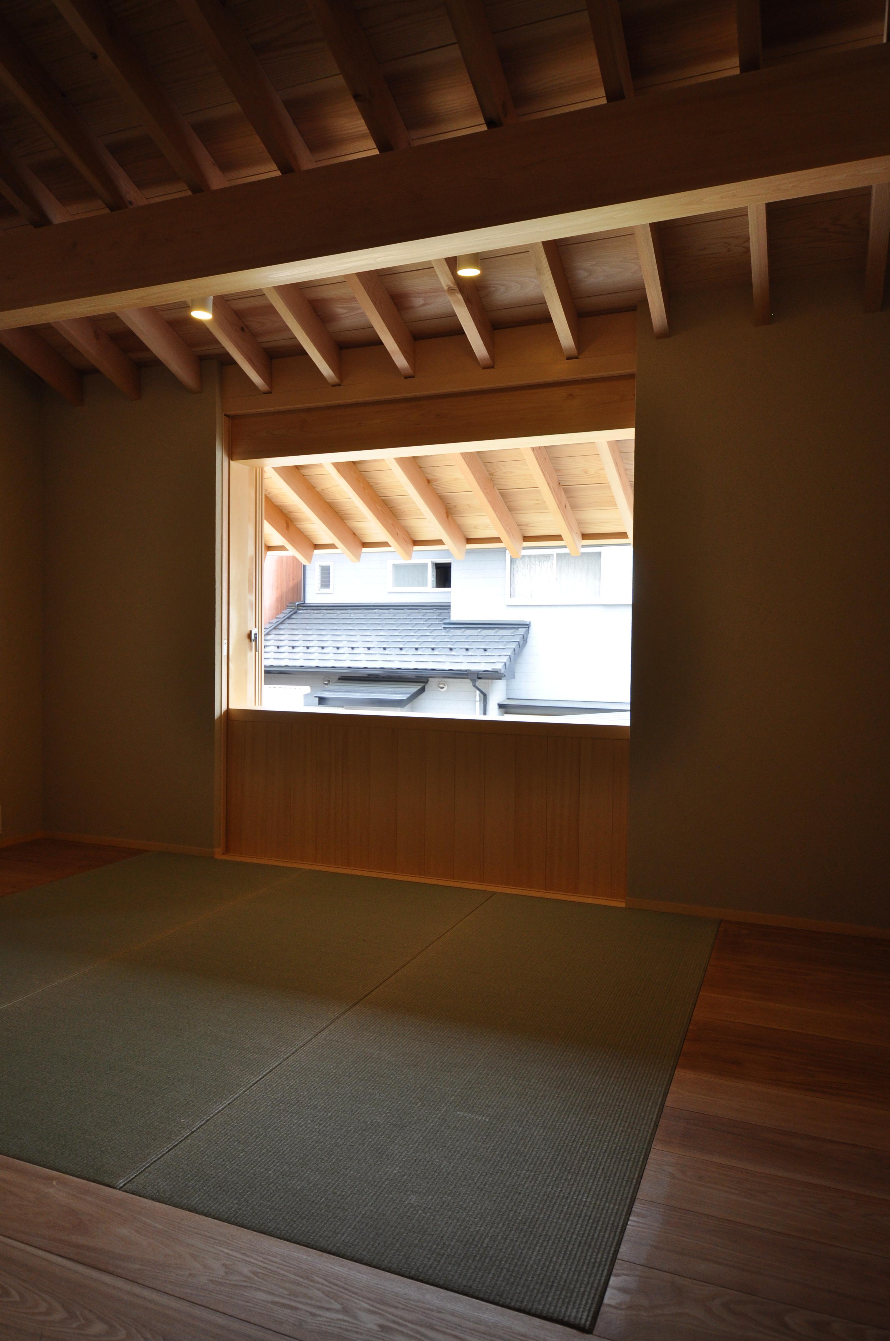 『那加の家』木の香りに満ちた和の住宅の写真 2階フリースペース