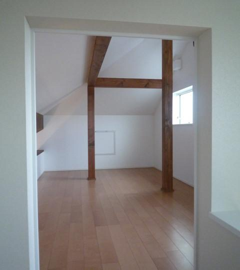 『LX2 house』2つのリビングがある共働き・子育て世帯の理想の家の部屋 明るいロフト空間