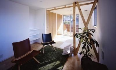 『坂の南の家』曲面天井のある立体的な構成