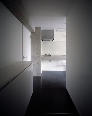 『Liverty Misasa』狭小地に建つデザイナーズマンションの部屋 type a a'-クールな玄関