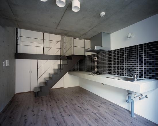 『Liverty Misasa』狭小地に建つデザイナーズマンションの部屋 type M2-クールなダイニングキッチン