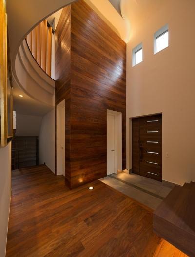 玄関 (K9-house 「木と光の家」)