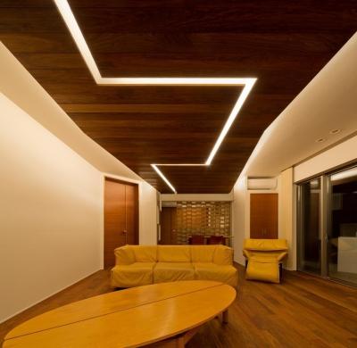 K9-house 「木と光の家」 (リビングダイニング)