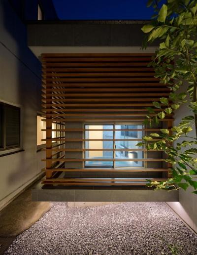 風呂 (K9-house 「木と光の家」)