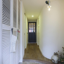 コラージュハウス (玄関廊下)