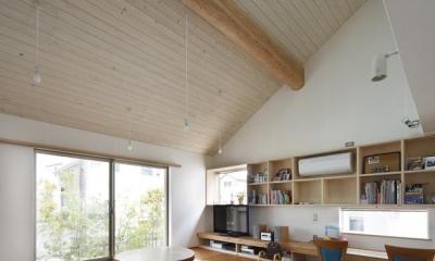 大屋根のリビングダイニング|『山手台の家』木の素材感・質量感を生かした和テイストの住まい