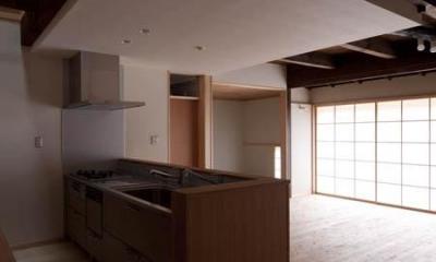 左京の町家/築100年以上の京町家をリノベーション (対面式キッチン)
