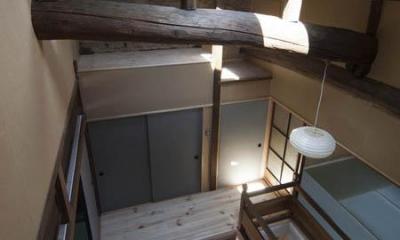 階段ホールを見下ろす|『左京の町家』築100年以上の京町家をリノベーション
