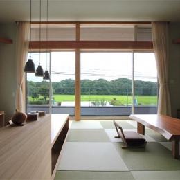 『和気町の家』里山風景を望む2階リビングの住まい (里山風景を望む2階リビング)