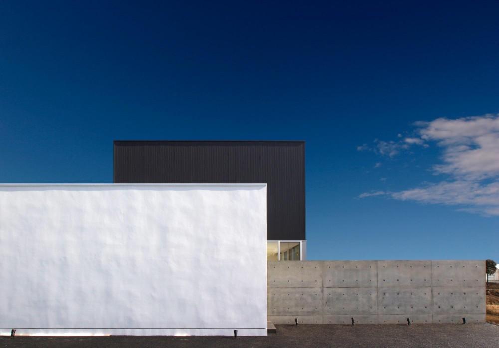 H-House <L窓の家> (シンプルモダンな外観)
