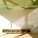 緑の半透明天井の1階リビング