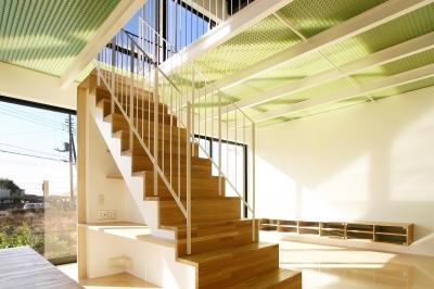 階段・階段下のワークスペース (K-House <空中リビングのある家>)
